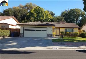 Photo of 32249 Chechester Dr, UNION CITY, CA 94587 (MLS # 40840901)