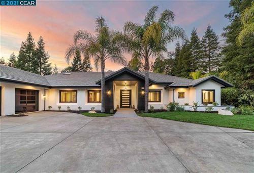 Photo of 108 Meadow Crest Ln, WALNUT CREEK, CA 94595 (MLS # 40956902)