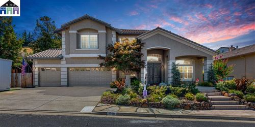Photo of 1048 Pebble Beach Dr, CLAYTON, CA 94517 (MLS # 40880903)