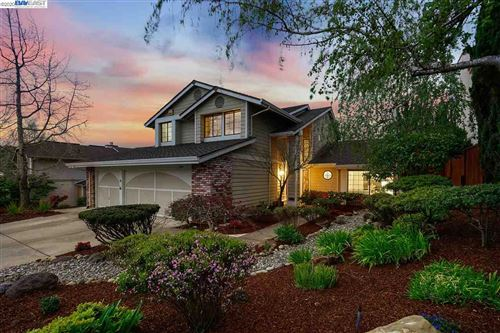 Photo of 5900 Charter Oaks Dr, CASTRO VALLEY, CA 94552 (MLS # 40899905)