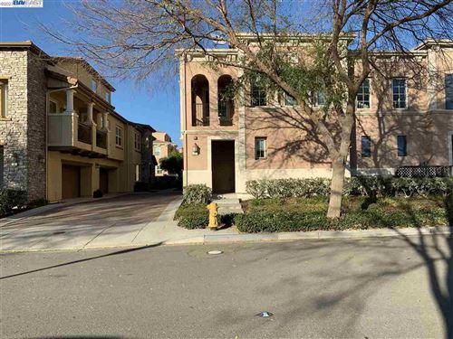 Photo of 574 Dovecote #2, LIVERMORE, CA 94551 (MLS # 40933907)
