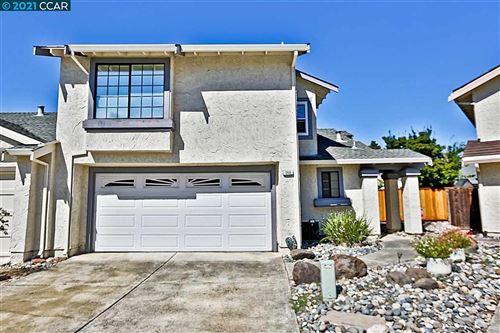 Photo of 368 Lakehurst Drive, MARTINEZ, CA 94553 (MLS # 40954907)