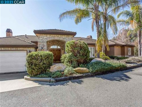 Photo of 22 Northridge Ln, LAFAYETTE, CA 94549 (MLS # 40939908)
