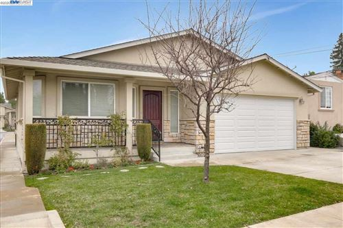 Photo of 4262 Heyer Ave, CASTRO VALLEY, CA 94546 (MLS # 40892909)