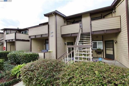 Photo of 3835 Yorkshire St, SAN LEANDRO, CA 94578 (MLS # 40892910)