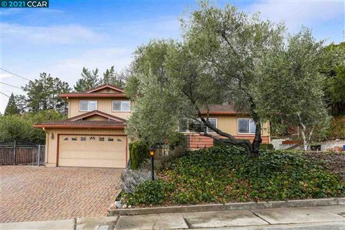 Photo of 121 Chianti Pl, PLEASANT HILL, CA 94523 (MLS # 40933910)