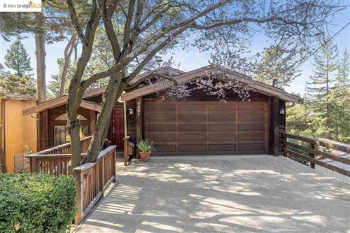 Photo of 7001 Exeter Dr., OAKLAND, CA 94611 (MLS # 40939912)