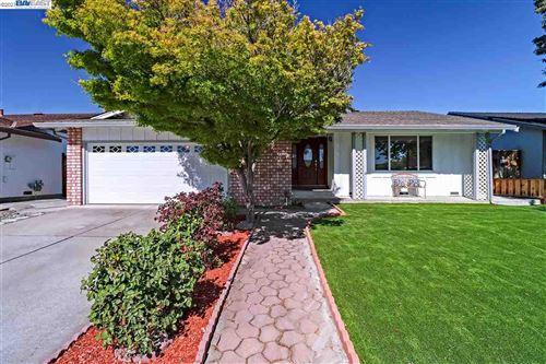 Photo of 5560 Chesbro Ave, SAN JOSE, CA 95123 (MLS # 40954912)