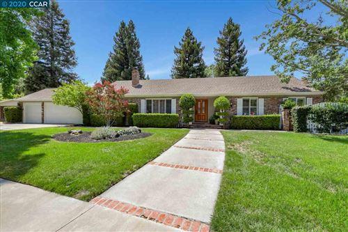 Photo of 795 Brookside Dr, DANVILLE, CA 94526 (MLS # 40914913)