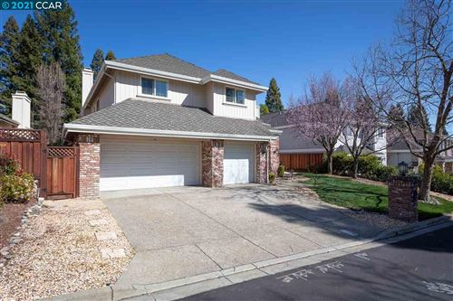 Photo of 4132 Whispering Oaks Ln, DANVILLE, CA 94506 (MLS # 40939913)