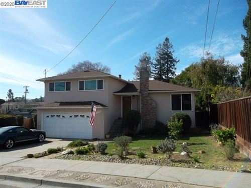 Photo of 19135 Schuster Ave, CASTRO VALLEY, CA 94546 (MLS # 40896917)