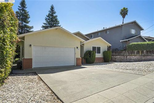 Photo of 19742 Carnation Ln, CASTRO VALLEY, CA 94546 (MLS # 40911920)