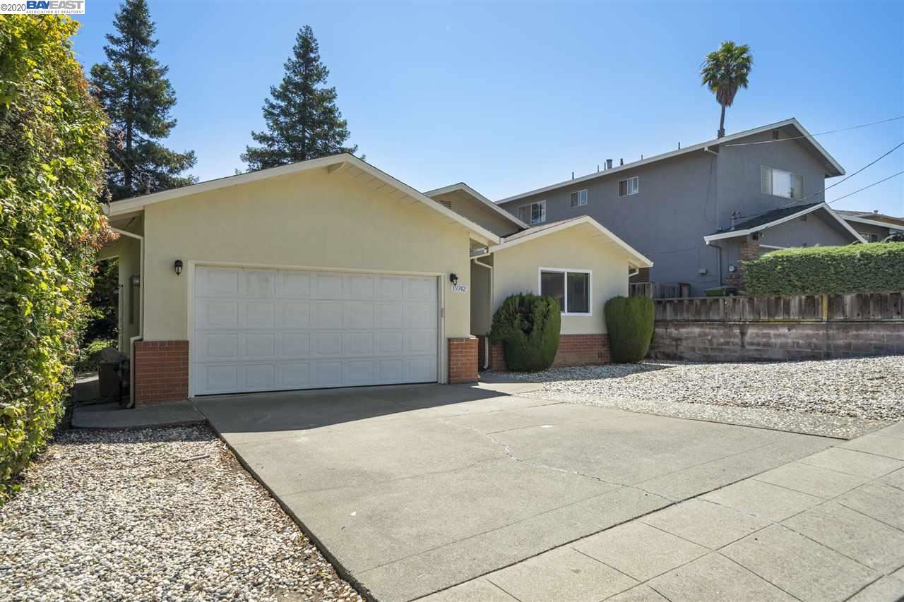 Photo for 19742 Carnation Ln, CASTRO VALLEY, CA 94546 (MLS # 40911920)