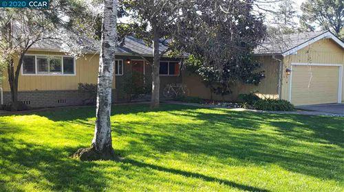 Photo of 5 THUNE AVE, MORAGA, CA 94556-1827 (MLS # 40911923)