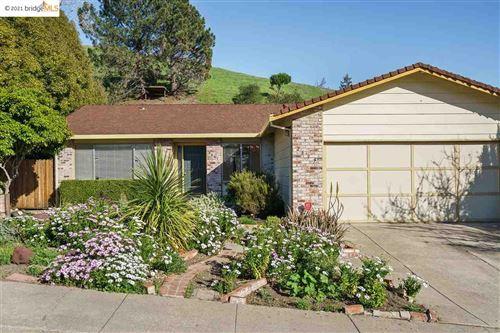 Photo of 2637 Carmelita Way, PINOLE, CA 94564 (MLS # 40939923)