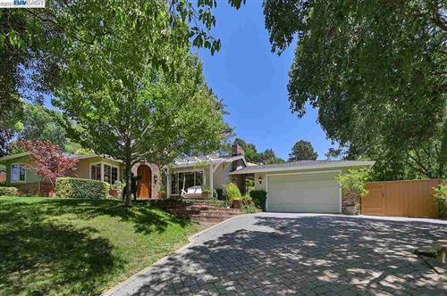 Photo of 262 Glorietta, ORINDA, CA 94563 (MLS # 40958924)