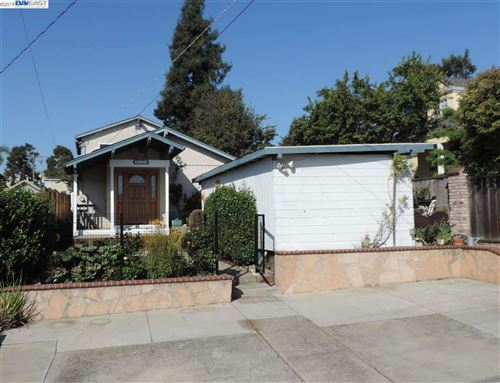 Photo of 4386 James Ave, CASTRO VALLEY, CA 94546 (MLS # 40885926)