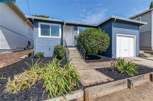 Photo of 2320 Somerset Ave, CASTRO VALLEY, CA 94546 (MLS # 40966927)