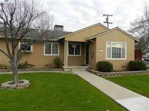 Photo of 554 Jensen St, LIVERMORE, CA 94550 (MLS # 40852928)