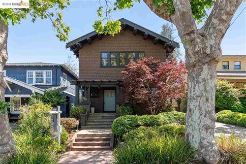 Photo of 4 Greenbank, PIEDMONT, CA 94611 (MLS # 40957928)
