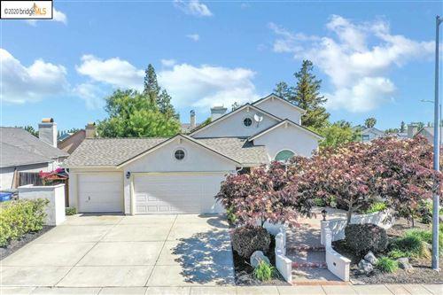 Photo of 1702 Chandon Way, OAKLEY, CA 94561 (MLS # 40910929)