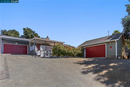 Photo of 690 Appian Way, EL SOBRANTE, CA 94803 (MLS # 40925931)