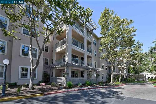 Photo of 1860 Tice Creek #1243, WALNUT CREEK, CA 94595 (MLS # 40925932)
