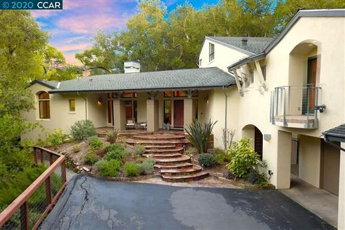 Photo of 483 Montcrest Place, DANVILLE, CA 94526 (MLS # 40892933)