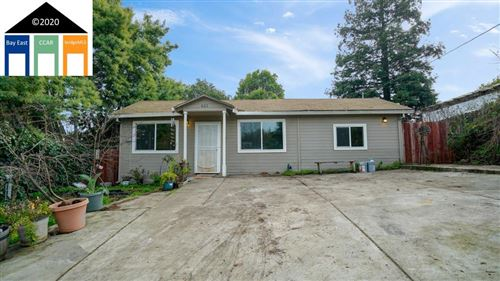 Photo of 621 Hichborn St, VALLEJO, CA 94590 (MLS # 40892934)