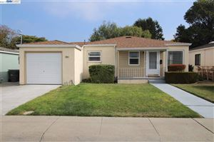 Photo of 17044 Via Chiquita, SAN LORENZO, CA 94580 (MLS # 40885939)