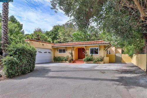 Photo of 15 Lily Court, Walnut Creek, CA 94595 (MLS # 40966939)