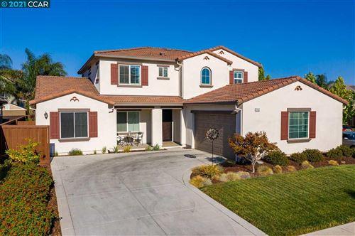 Photo of 502 Stratford Way, BRENTWOOD, CA 94513 (MLS # 40958940)