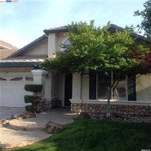 Photo of 1546 Dalehurst Ct, TRACY, CA 95377 (MLS # 40885942)
