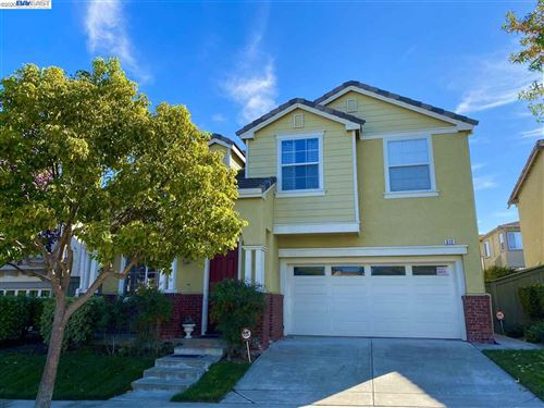 Photo of 512 Laurelwood Dr, HERCULES, CA 94547 (MLS # 40928942)