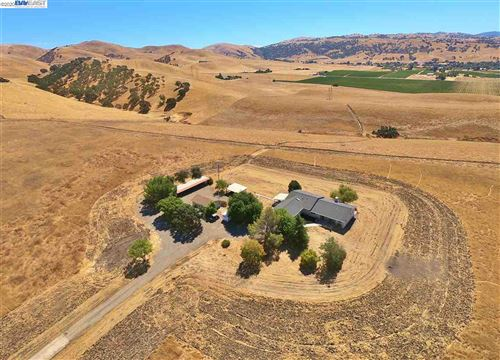 Photo of 3800 Cross Rd, LIVERMORE, CA 94550 (MLS # 40892943)