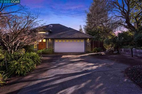 Photo of 904 Placer Ridge Rd, WALNUT CREEK, CA 94597 (MLS # 40933943)