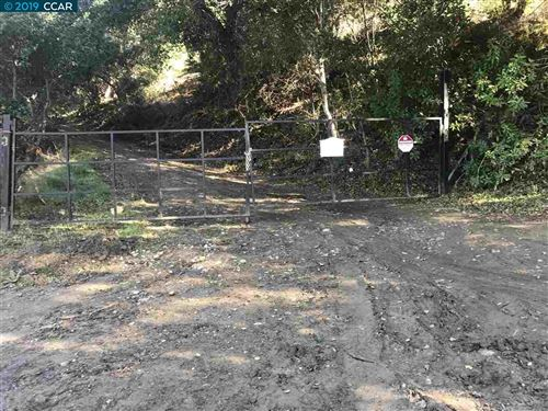 Photo of 4937 Crow Canyon Rd, CASTRO VALLEY, CA 94552 (MLS # 40890945)