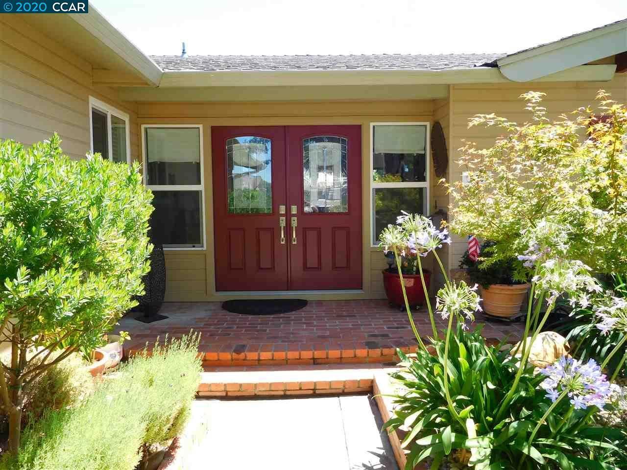 Photo of 530 Zircon Way, LIVERMORE, CA 94550-5150 (MLS # 40915945)