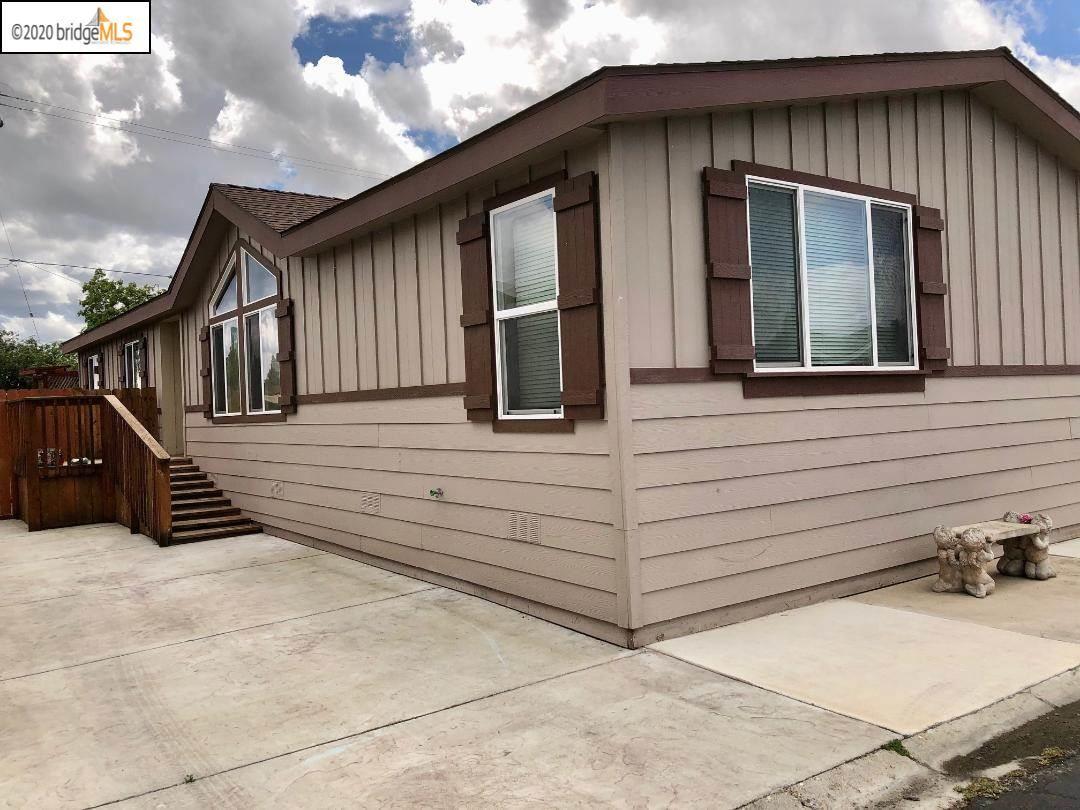 Photo of 200 W Cypress Rd #59, OAKLEY, CA 94561 (MLS # 40905946)