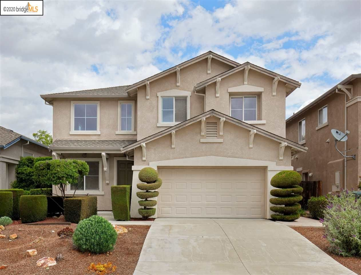 Photo of 4064 Montgomery Hill Dr, ANTIOCH, CA 94531 (MLS # 40905947)