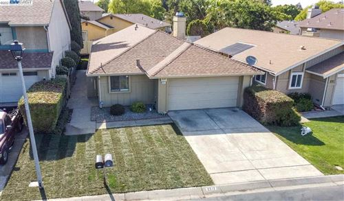 Photo of 2212 Westgate Dr, PITTSBURG, CA 94565 (MLS # 40954949)