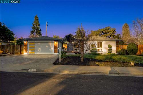 Photo of 652 Wintergreen Lane, WALNUT CREEK, CA 94597 (MLS # 40939951)