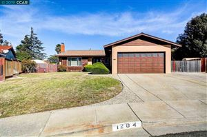 Photo of 1204 Alberdan Court, PINOLE, CA 94564-2705 (MLS # 40885953)