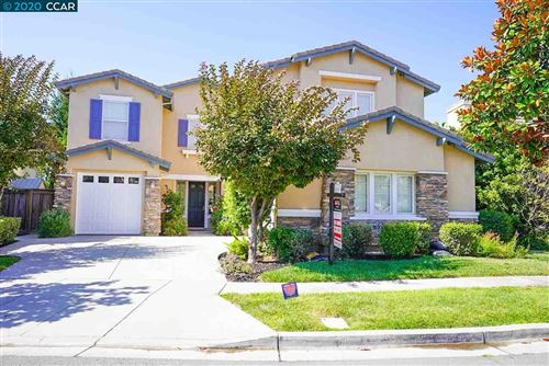 Photo of 172 Watermark Ter, HERCULES, CA 94547 (MLS # 40913953)