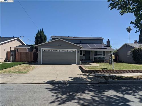Photo of 40532 Ives Ct, FREMONT, CA 94538 (MLS # 40905957)