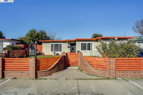 Photo of 271 Elmwood Ln, HAYWARD, CA 94541 (MLS # 40934957)