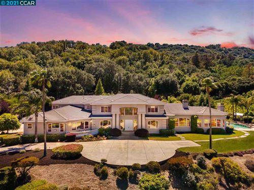 Photo of 30 Sky Terrace, DANVILLE, CA 94526 (MLS # 40953957)