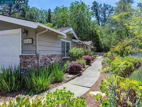 Photo of 3137 Old Tunnel Rd, LAFAYETTE, CA 94549 (MLS # 40906958)