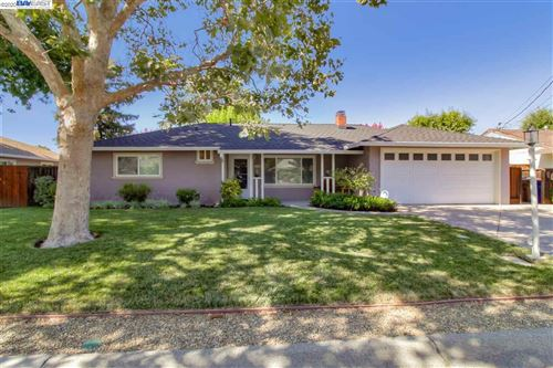 Photo of 136 Sylvia Drive, PLEASANT HILL, CA 94523-2910 (MLS # 40915959)