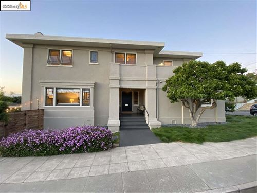 Photo of 5401 Belgrave Pl, OAKLAND, CA 94618 (MLS # 40915961)